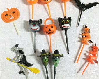 13 Vintage Halloween Cupcake Picks