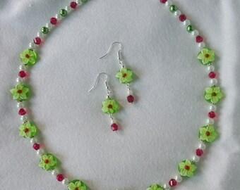 Cute Green Flower Lampwork Beaded Necklace and Earrings Set