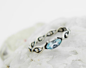 Silver ring with Blue topaz, silver twisted ring, silver ring blue stone, blue topaz ring