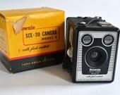 Kodak Brownie Six 20 w Flash Contacts, Box Film Camera, Original Box, Made in England Version