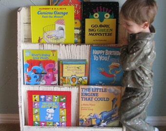 Free standing Children's Book Shelf
