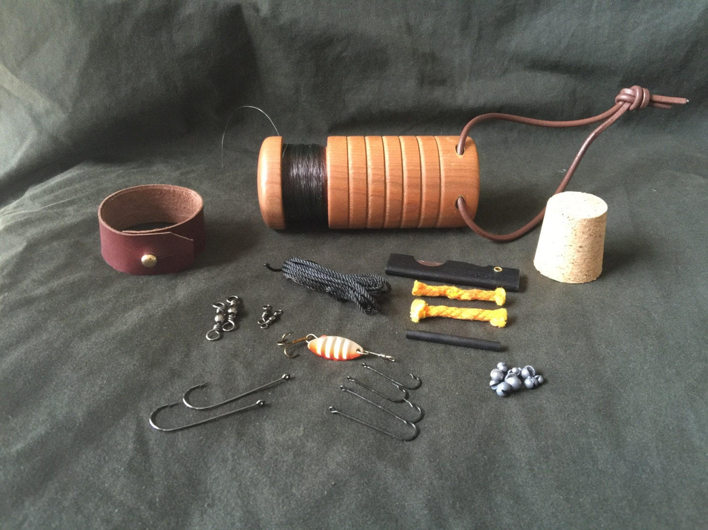 Bushcraft survival pocket fishing kit red beech for Pocket fishing kit