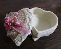 Heart Shaped ceramic porcelain Dresser Box / Keepsake / Jewelry Box, Anniversary, Wedding,  gift box