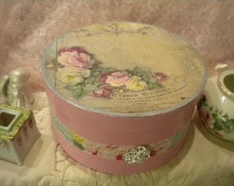 Large Paper Mache Decorative Box: Vintage / Old Roses