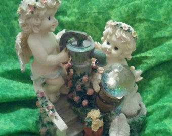 """Classic Treasures Twin Cherubs Music Box Figurine - Plays """"That's What Friends are For"""""""
