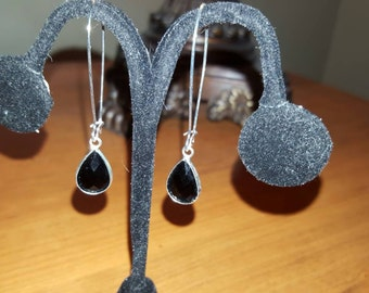 Black Glass Teardrop Antique Silver 18mm x 11mm Dangle Earrings