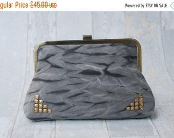SALE Gray and black, Tie dye clutch, kiss lock purse, handbag, vegan purse, clutch bag, hand made, vintage, Upstream, Free Shipping