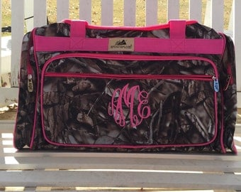 Personalized Camo/Pink Duffle, Monogram Duffle, Camo, Girls Camo, Duffle Bag Persoanlized, Monogram Duffle Bag, Camo Teen Duffle, Sports bag