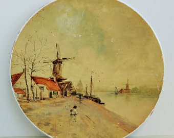 Beautifully hand painted plate with traditional Dutch mill scene