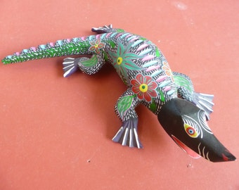 Hand carved wooden lizard, Alebrije, made in Mexico