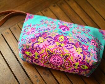 Makeup organizer bag \ Handbags \ Colorful bag \ Cosmetic.