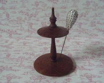 Early 20thc. Wooden Turned Hatpin Stand (for 20 Hatpins)