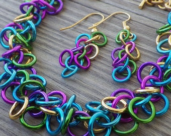 Colorful chainmaille jewelry set; chainmaille bracelet and earrings; chain maille jewelry; chain maille bracelet and earrings set