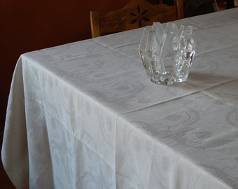 Vintage Linen Big Tablecloth Retro Home Decor/ White Linen Decor 162 x 154 cm