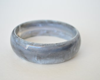 Vintage Smoke Gray Swirl Lucite Bangle Bracelet