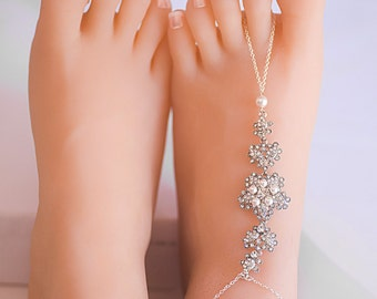 A Pair of Swarovski Pearls Crystal Barefoot Sandal Foot Barefoot Wedding Sandal Beach Wedding Accessories sandals Bridal foot jewelry