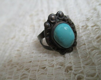 Vintage Sterling Silver Turquoise Ring (Size 7)