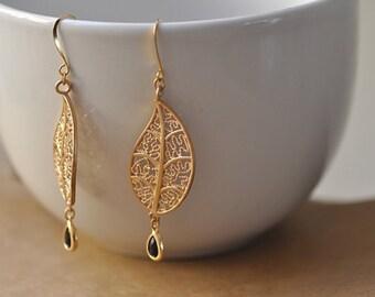 Black Crystal Leaf Chandelier Earring, Black bridesmaid earrings.bridesmaids jewelry. Wedding jewelry. Bridal earrings.
