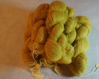 Icelandic pure wool, hand dyed with Matricaria maritima 270815-1
