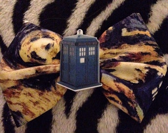 Doctor Who exploding Tardis hair bow