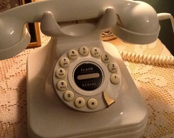 Vintage Rotary Style, Button Dial Phone