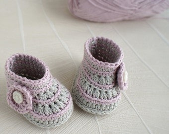 CROCHET PATTERN, instant download, crochet booties,crochet boots, pdf very easy to follow, full of pictures,crochet pattern no.55