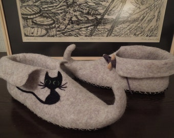 Elf felted slippers. 100% wool. Handmade House shoes.