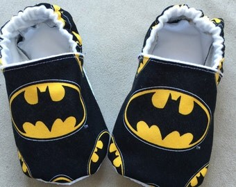 Batman baby booties, shoes, crib shoes, superhero, slippers, infant