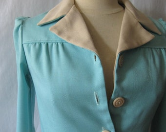 Vintage womens jacket; petite vintage jacket; 70s womens jacket; cropped blazer; pale blue jacket; button front blazer; 70s retro xs blazer