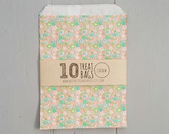 10 Floral Party Treat Bags 13x18cm