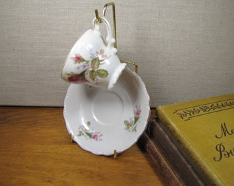 Small Rosebud Pattern Teacup and Saucer Set