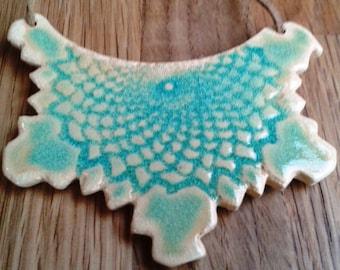 """Glazed ceramic bib necklace: """"Dantelle"""" (turquoise)"""