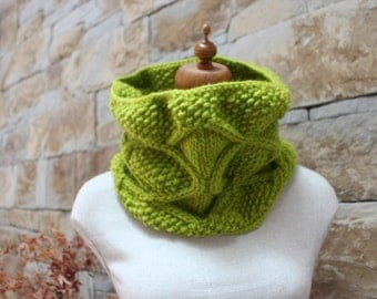 Handknitted Lime Diamond Cowl. Lime infinity scarf. Aran scarf. Citrus lime cowl.