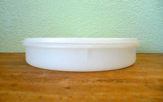 Large Round Shallow Tupperware Storage Container