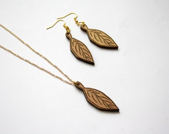 Wooden jewelry set, leaf tree earrings and long necklace pendant, hippie chic, bohemian style jewel, natural wood, metal gold color, French