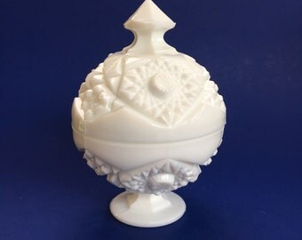 """7"""" Vintage White Milk Glass Covered Candy or Trinket Dish"""