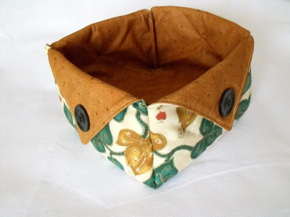 christmas box, christmas bowl, candy basket, sweet basket, fabric box, nibbles bowl, ivy and gold fabric with tan cotton lining