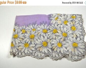 SALE Vintage Flowered Handkerchief Hankie Scalloped Edges Purple Violet White Yellow Daisies Hankie Vintage Hankie Mint Condition