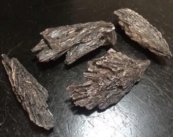 black kyanite - raw black kyanite - raw kyanite - kyanite - black kyanite blades - protection - aligns chakra stone - grounding stone
