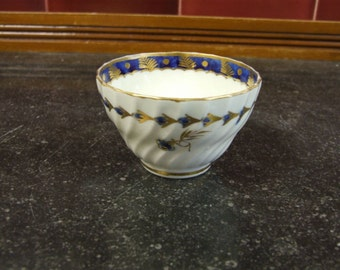 Gorgeous Worcester Wrythen & Fluted Tea Bowl - Circa 1785
