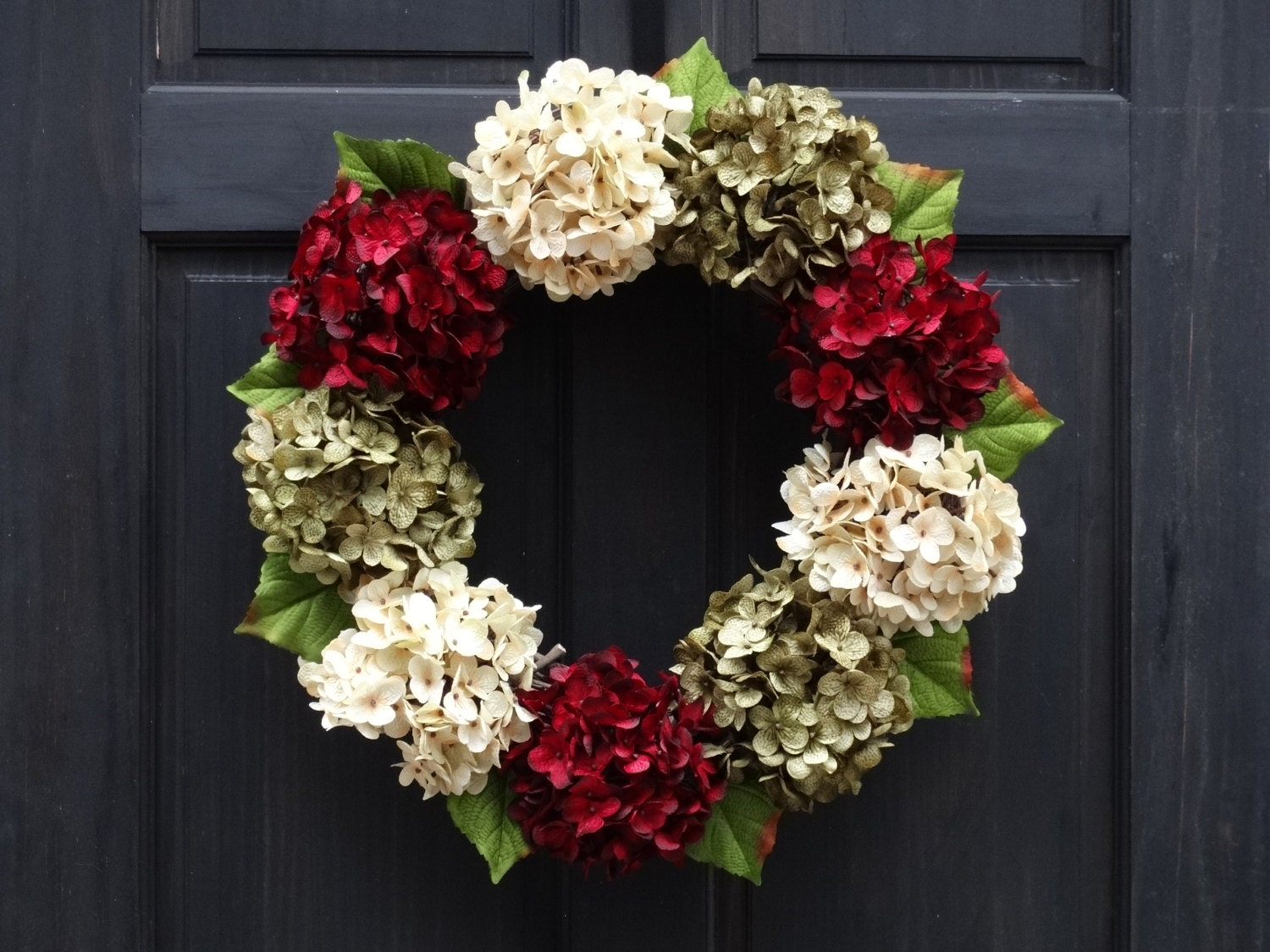 Modern christmas wreath for front door holiday wreath front for Front door xmas wreaths