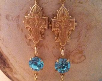 Downton Ladies - topaz blue/golden dangle earrings