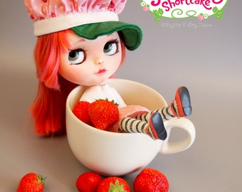 STRAWBERRY SHORTCAKE - Custom OOAK Blythe doll - including outfit and extras - by Blythe Fairy Tales