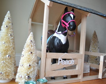 "Horse stable for 18"" Dolls and Horses"