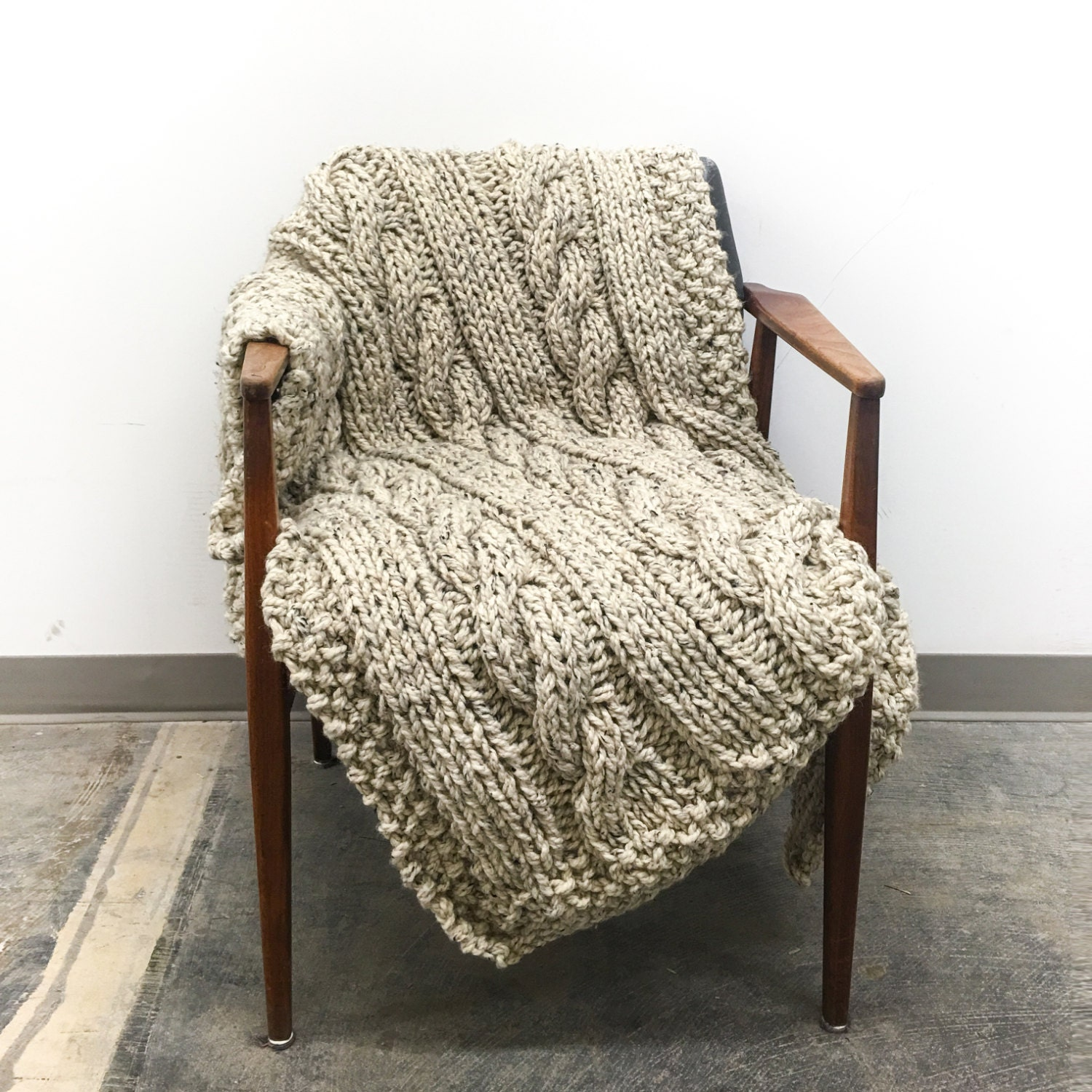 Chunky Knit Throw Blanket Large Cable Pattern