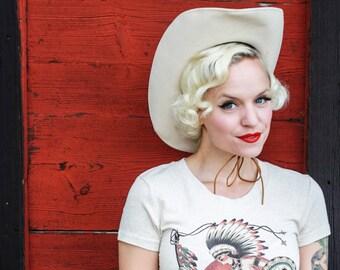 Sundance Tshirt size S, M, L,XL,2XL,3XL Heather beige Traditional Tattoo vintage inspired by Mischief Made
