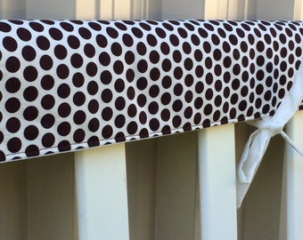Reversible cot teething rail cover - Brown spots on cream