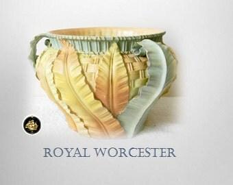 Royal Worcester England porcelain LARGE jardiniere with leaf design