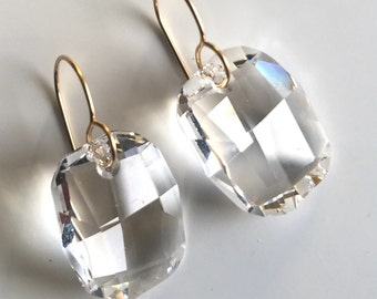 NELLIE EARRING * clear drop earring