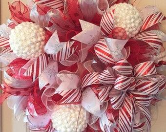 Red and White Snowball Wreath; Winter Wreath; Holiday Wreath; Christmas Wreath; Christmas Decor; Holiday Decor; Handmade Wreath